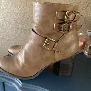 Shoes - Tan bootie with straps